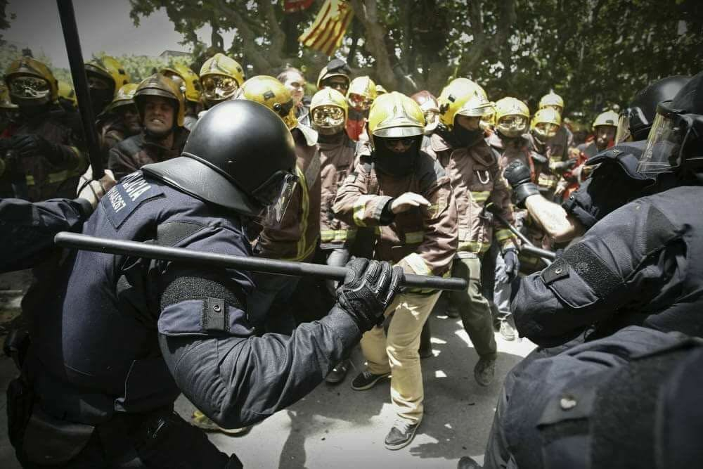 Carga de los mossos 2013